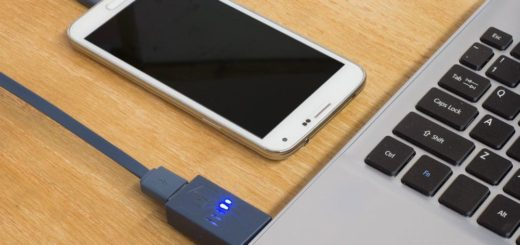 charge your smartphone using laptop